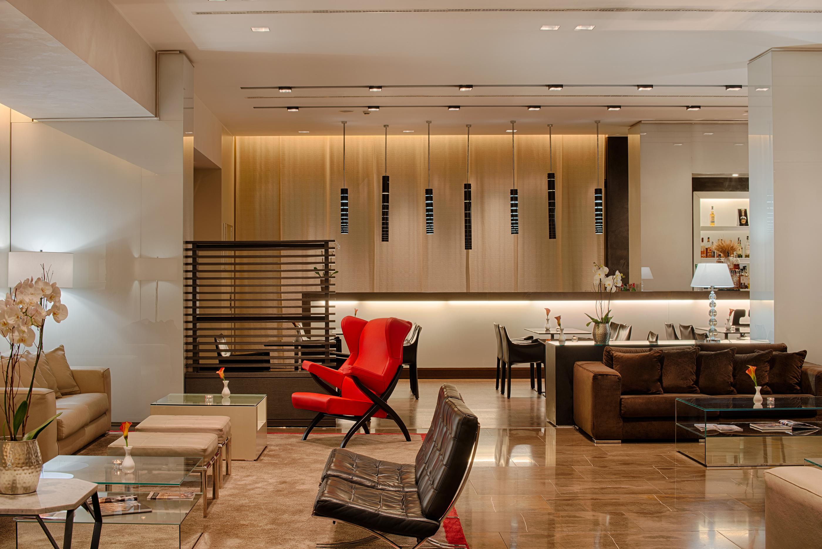 La lobby dell'NH Collection President di Milano