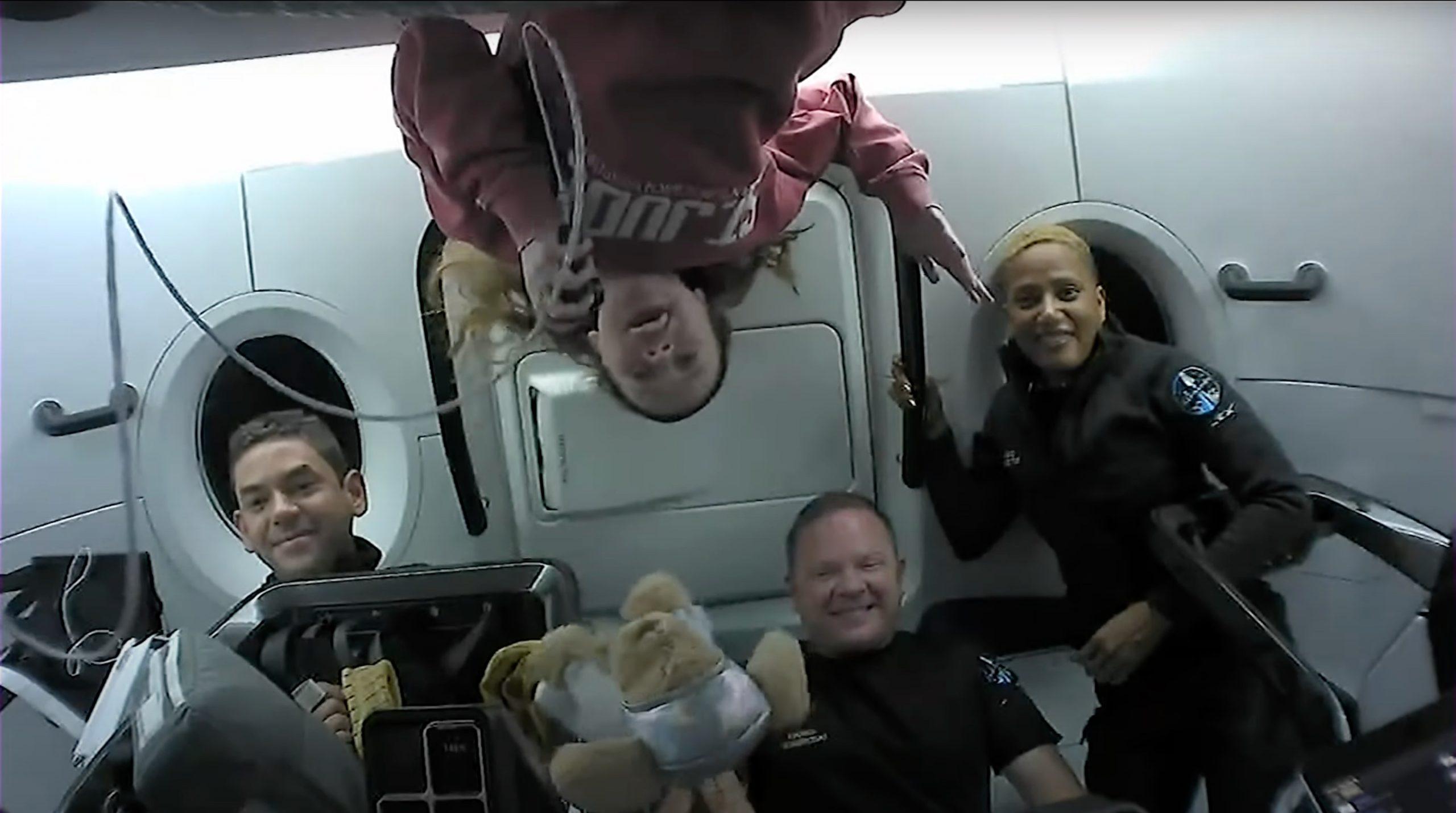 turisti spazio space x