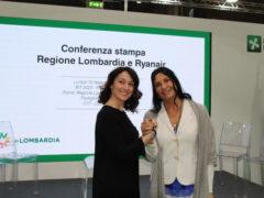 Photo Caption: Chiara Ravara, head of sales & marketing Ryanair e Lara Magoni, Assessore al Turismo, Marketing Territoriale e Moda di Regione Lombardia.