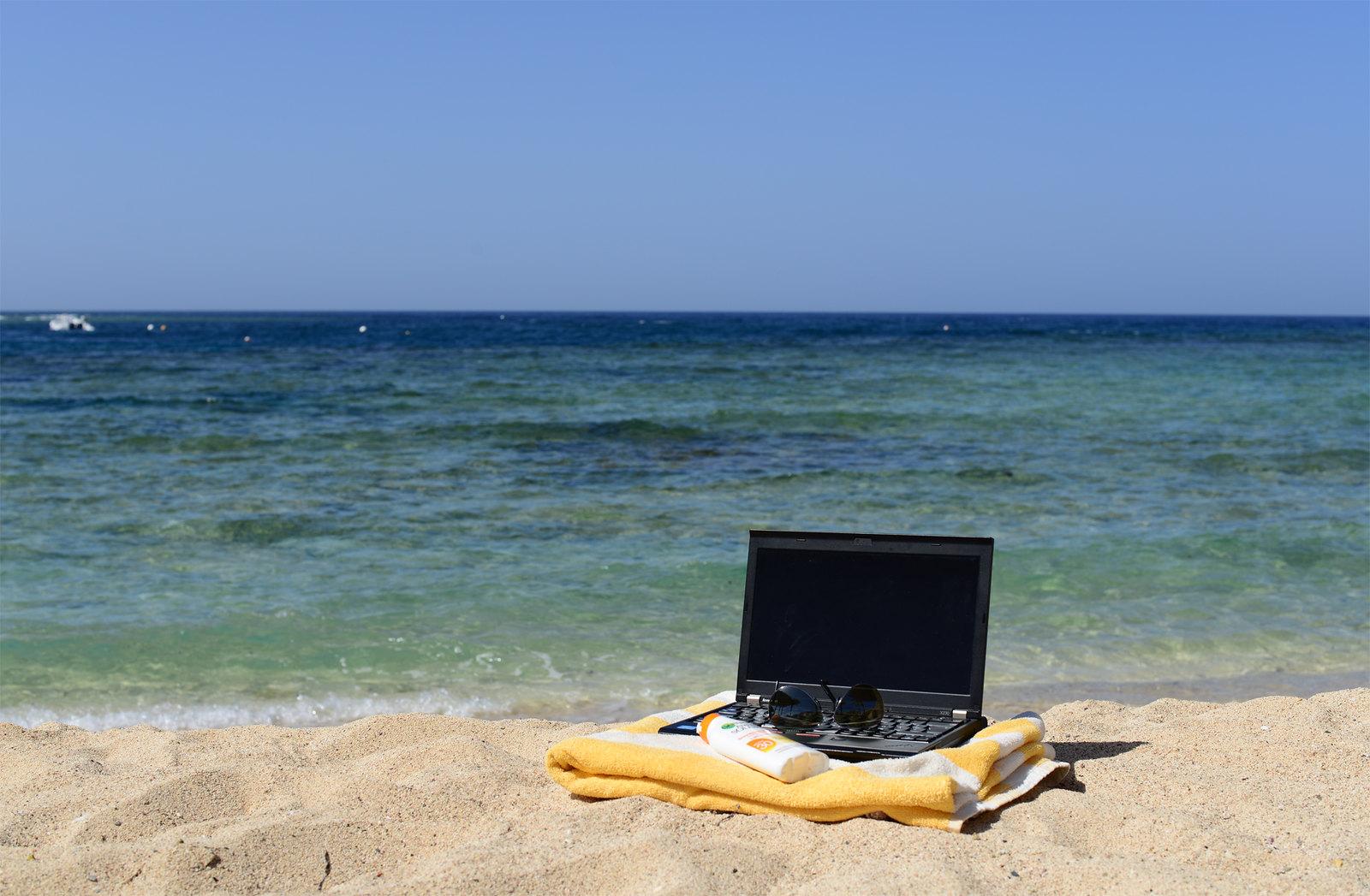 Lavorare in vacanza - foto di Laura Hoffman su flickr.com